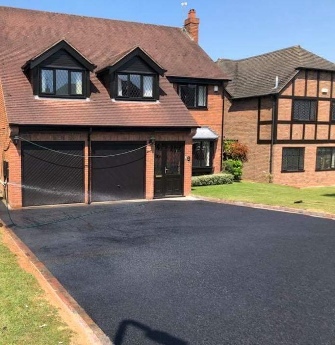 tarmac driveway installed in Warwick